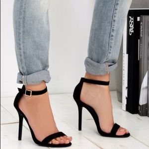 🖤Ankle Strap Heels🖤